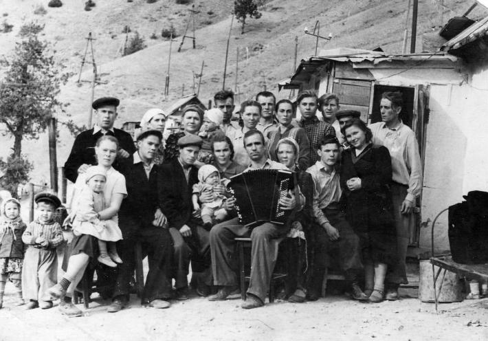 Немцы в Янгиабаде, 1952 год